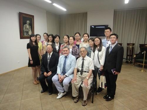 Студенты из Китая и Азербайджана пройдут клиническую и производственную практику в Первом Меде