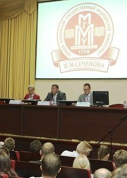 Ректор ответил на вопросы студентов о милосердии, «путевке в жизнь» и выборах