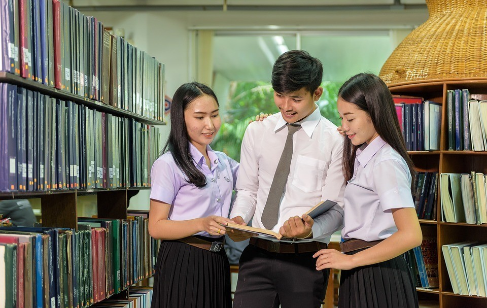 Why do Malaysian applicants choose to study medicine in Russia?