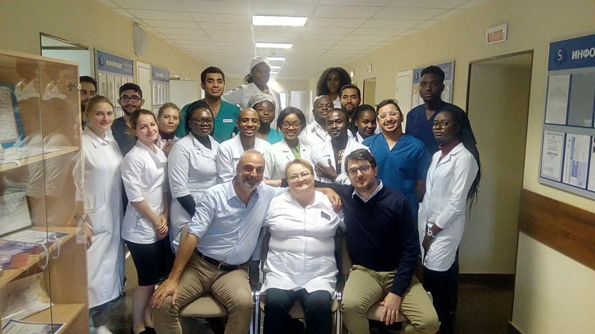 В Сеченовском университете прошел уникальный мастер-класс по синус-лифтингу для студентов-стоматологов