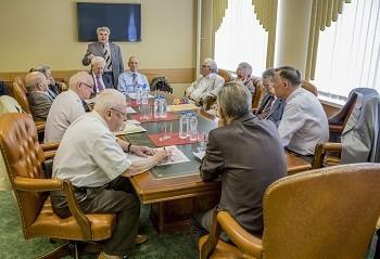 Совет старейшин окажет помощь в научных, учебных и лечебных делах