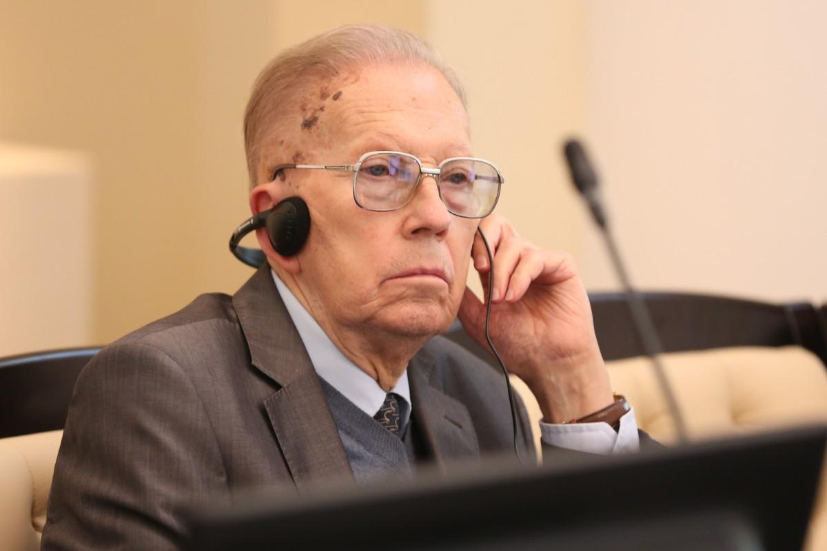 Профессор Николай Мухин награжден Почетной грамотой Президента РФ