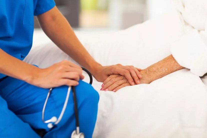 Минздрав планирует открыть первую в мире университетскую клинику по паллиативной помощи