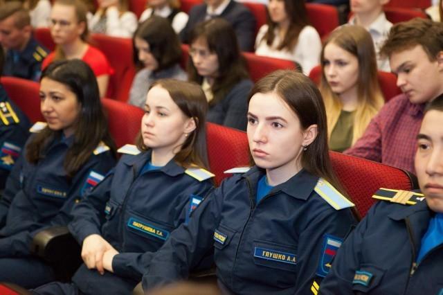 Будущие военные врачи встретились на Конференции в Сеченовском университете
