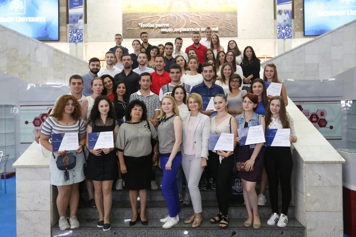 Студенты из Армении, Болгарии и Сербии прошли двухнедельную практику в клиниках Сеченовского университета