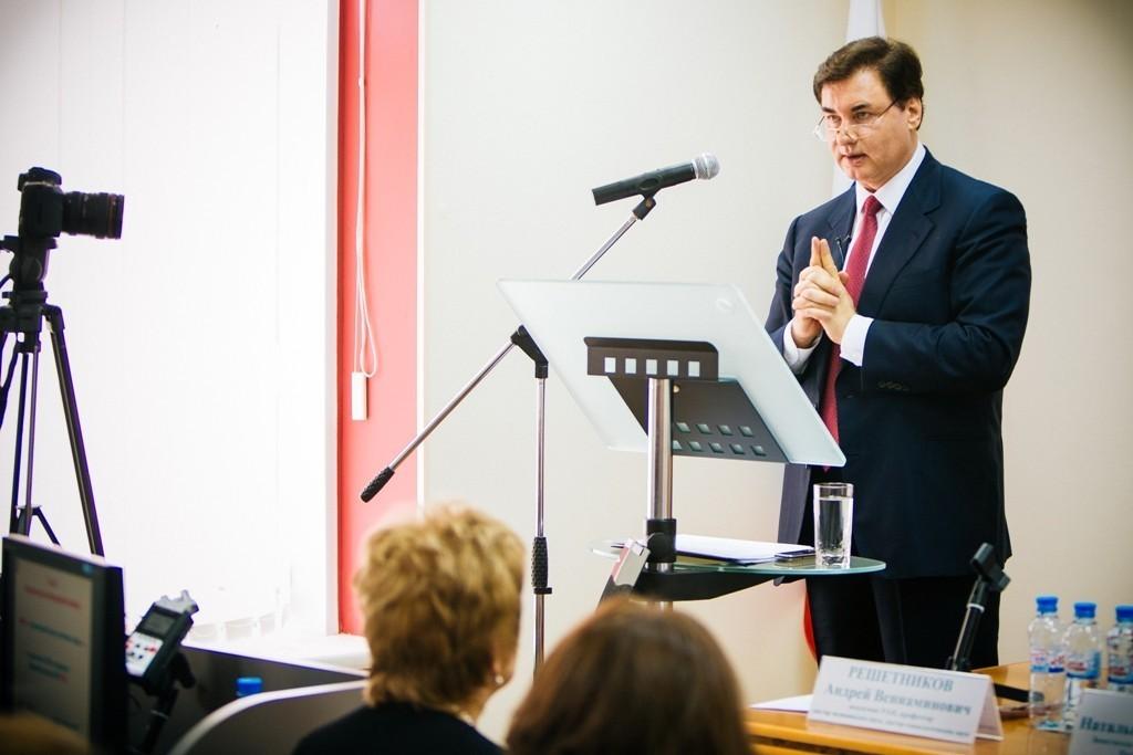 Сеченовский университет готовит страховых представителей системы ОМС