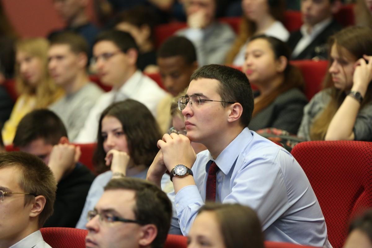 Биомедицинский саммит объединил науку и практическое здравоохранение