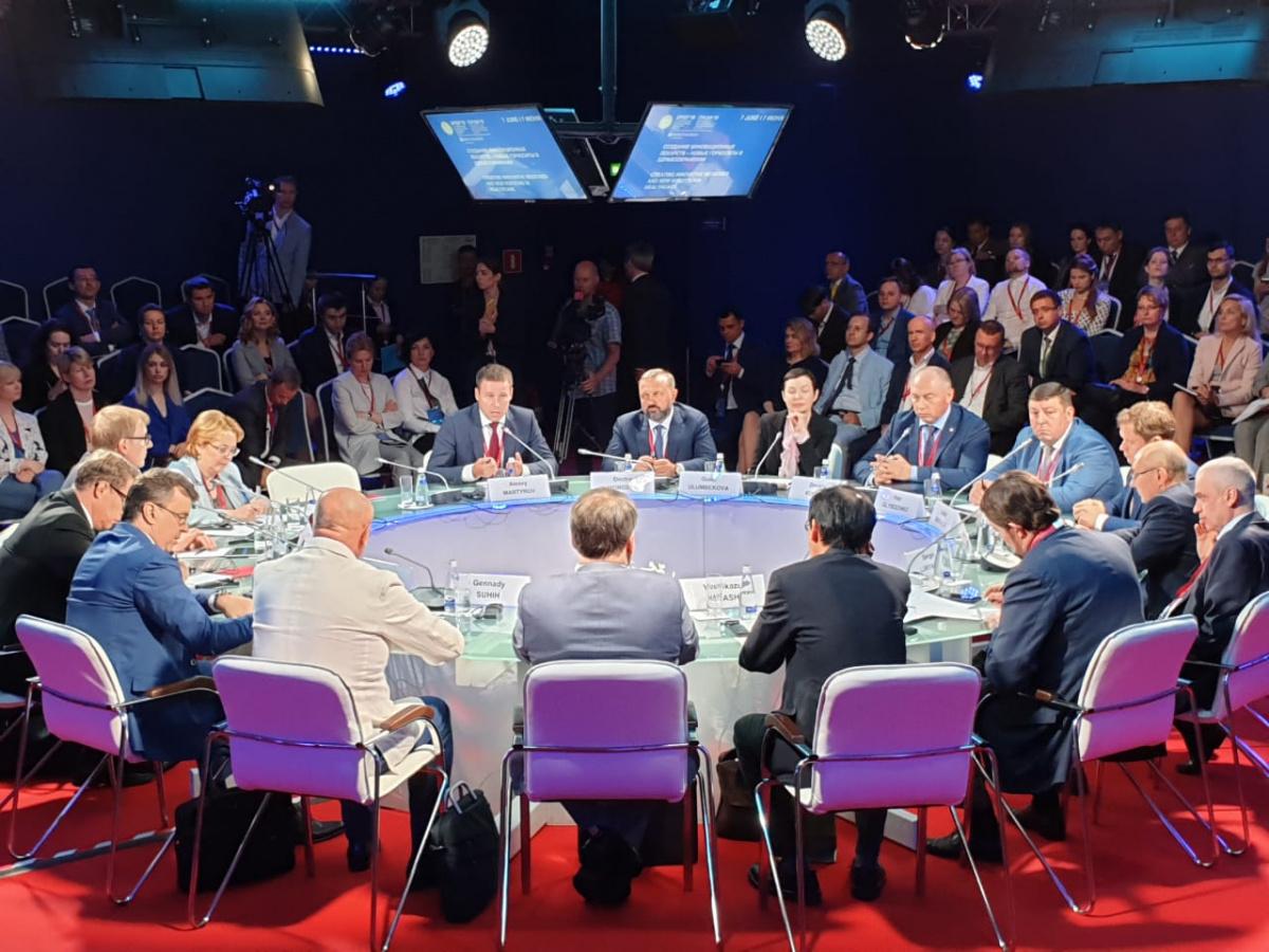 Сеченовский университет представил уникальный «горизонт возможностей» на ПМЭФ-19