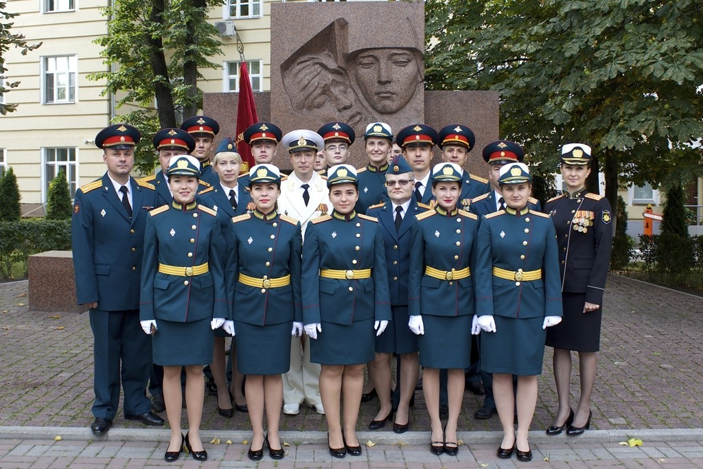 Первый выпуск военных фармацевтов