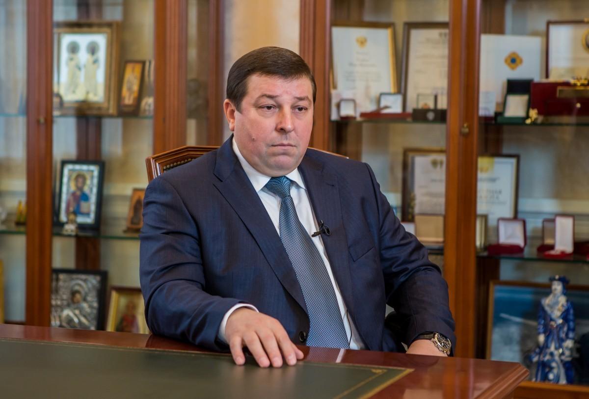 Поздравление ректора Петра Глыбочко с Днем России