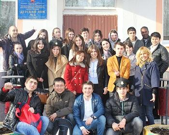 Подарить тепло сердец: студенты Первого Меда посетили детский дом