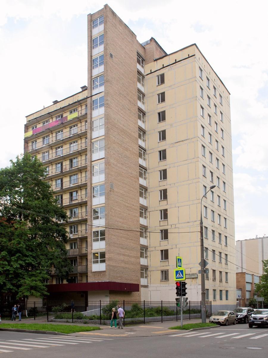 Капитальный ремонт общежития на 11-й Парковой завершится к началу учебного года