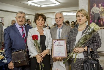 День медицинского работника отметили на Ученом совете вручением наград