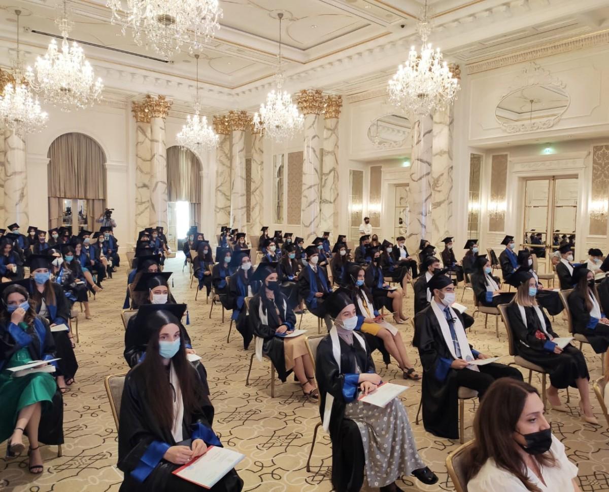 Дарить здоровье и счастье людям! В Бакинском филиале Сеченовского Университета состоялся первый выпуск студентов