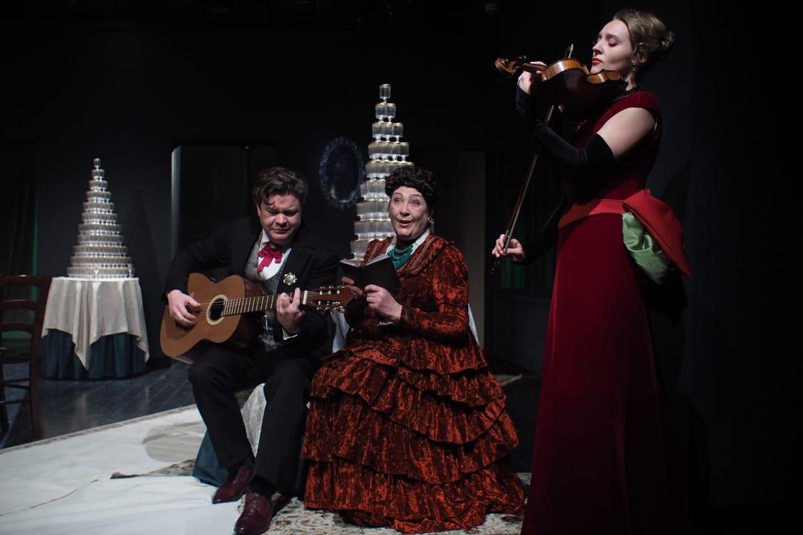 В «Театре на Покровке» сыграли «Свадьбу»