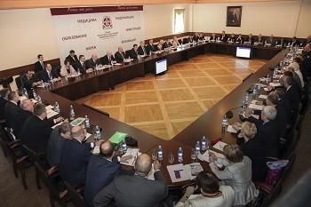 Совет ректоров медицинских и фармацевтических вузов России начнет работать по новой формуле