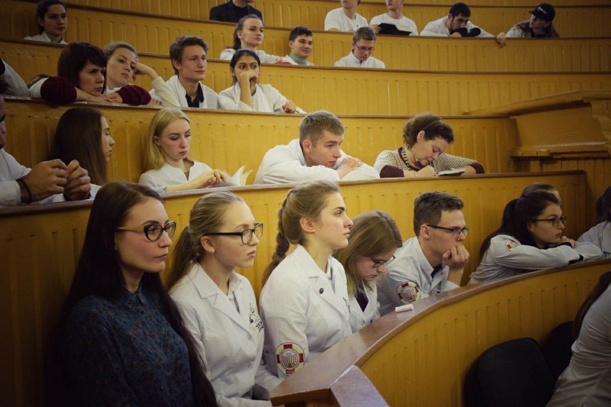 Физиология, музыка и будущее науки в творчестве студентов на олимпиаде памяти К.В. Судакова