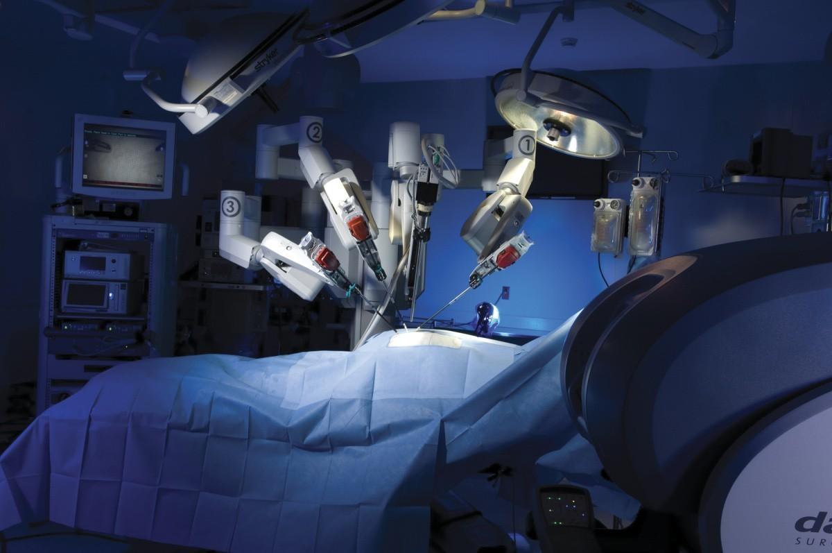 Сеченовский Университет внедряет робота-травматолога для эндопротезирования