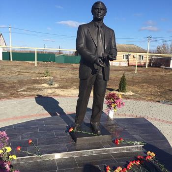Открытие памятника бывшему ректору Первого Меда