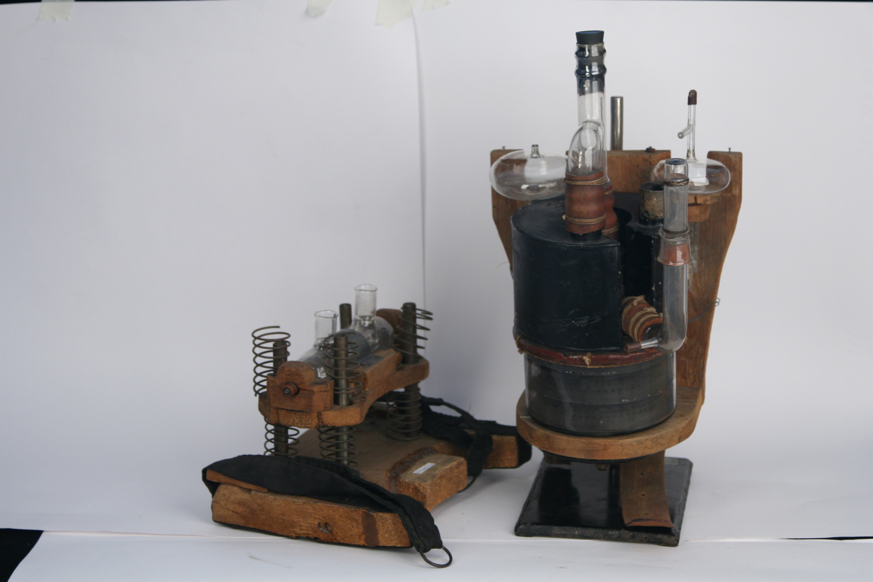 Unique and portable I.M. Sechenov's gas analyzer (Portable respiratory apparatus)