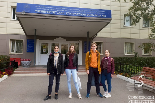 Волонтеры Сеченовского Университета снова помогают врачам в борьбе с COVID-19