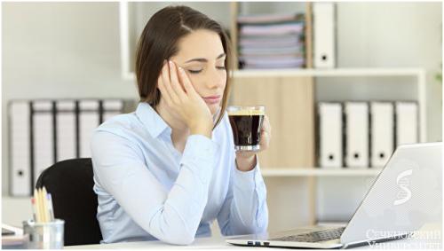 Врач Сеченовского университета советует, как избежать сонливости на работе